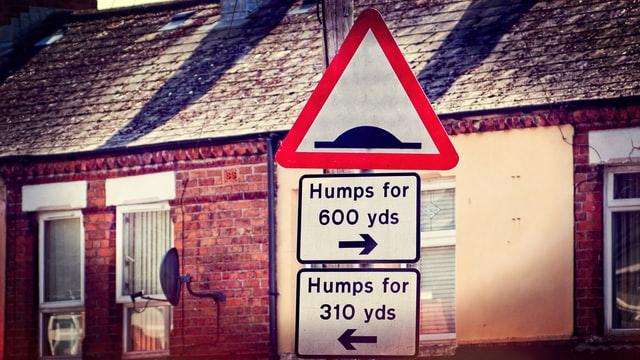 ❶ バンプ(bump / hump)